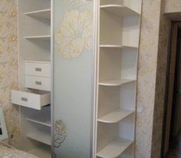 Шкаф-купе Белый в спальне