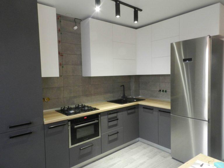 Кухонная мебель Графит и Белый
