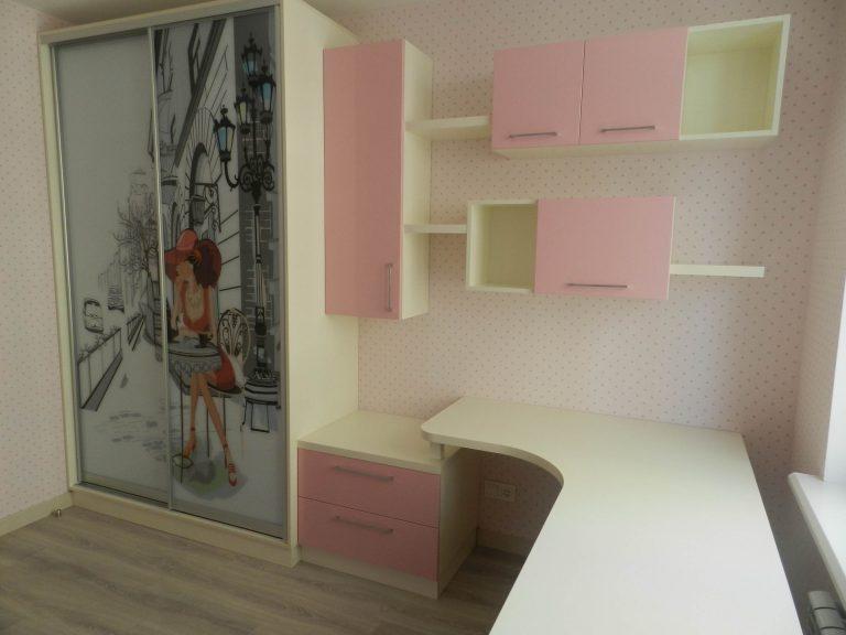 Мебель в детскую Кремовый белый и Розовый