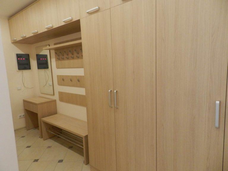Шкафы в прихожей Винченца