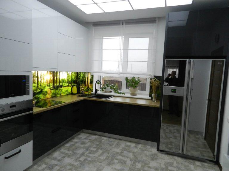 Кухня Белый и Графитовый Акрил