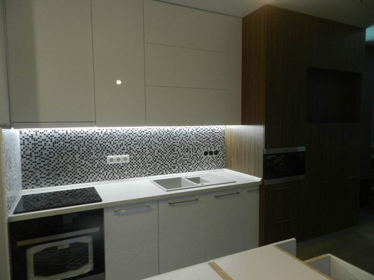 Мебель для кухни Карини