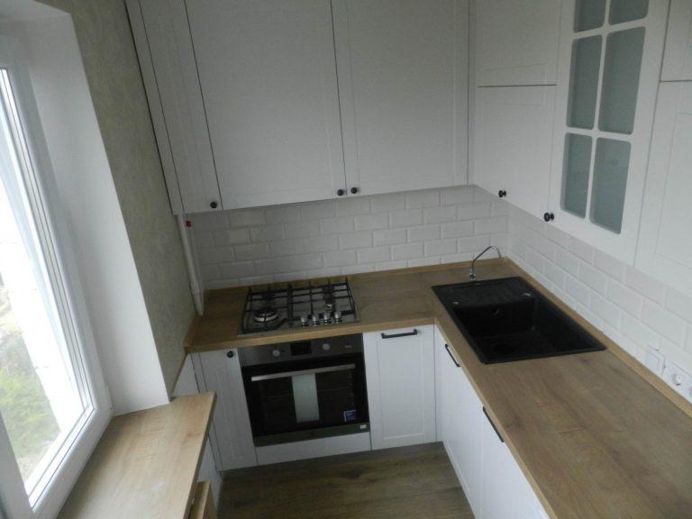 Кухня Белая с откидным столиком